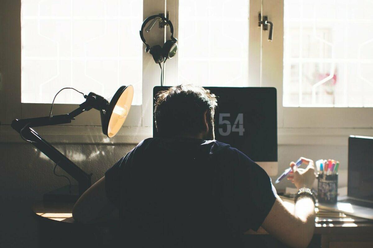 Har du oppdatert arbeidskontrakten med tanke pa hjemmekontor